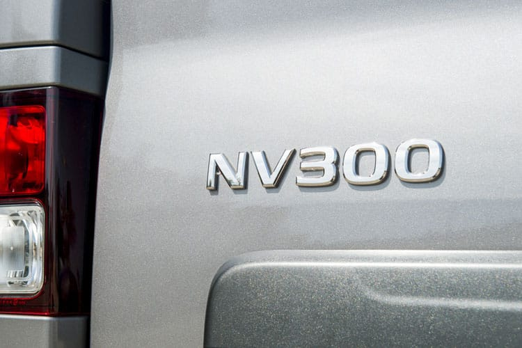 Nissan NV300 L1 30 M1 2.0 dCi FWD 120PS Tekna Combi Manual detail view