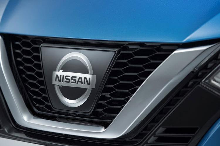 Nissan Qashqai SUV 2wd 1.3 DIG-T 140PS N-Connecta 5Dr Manual [Start Stop] [Pan Roof] detail view