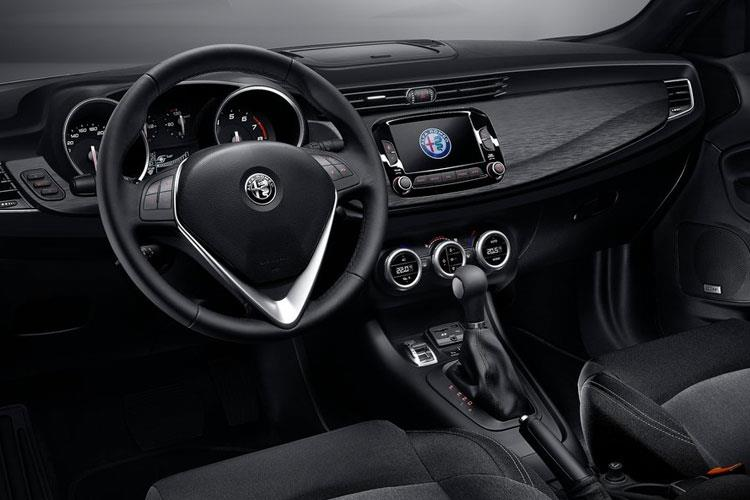 Alfa Romeo Giulietta Hatch 5Dr 2.0 JTDM-2 170PS Veloce 5Dr TCT [Start Stop] inside view